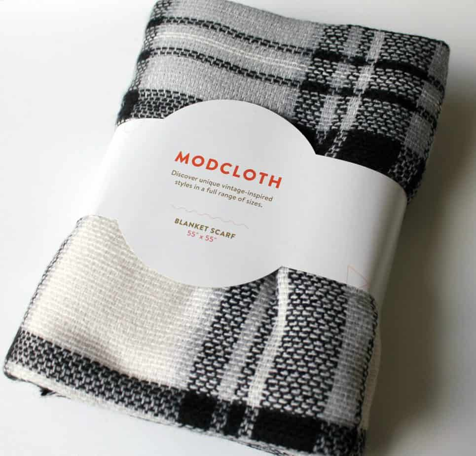 fabfitfun-fall-2016-modcloth-blanket-scarf