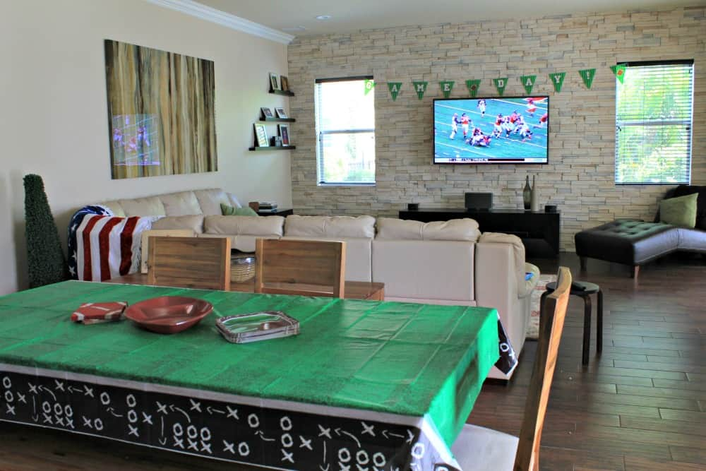 sunday-funday-football-party-decorations