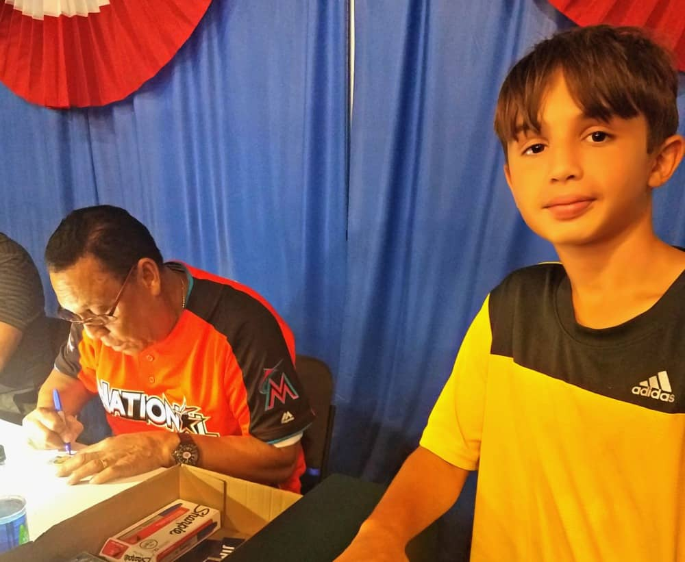 All Star FanFest Tony Perez Autographs