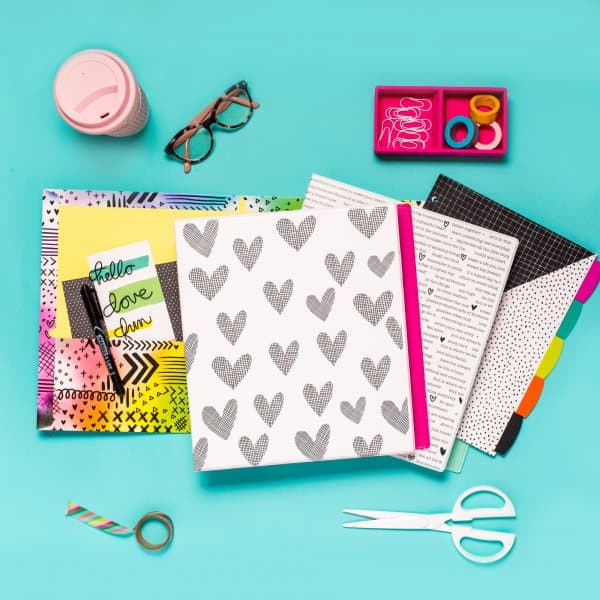 """Amy Tangerine binders, """"Durable View Fashion 1"""" - 2 pack Amy Tangerine Black and White Avery® + Amy Tangerine Designer Collection Durable View Fashion Binder, 1"""" Round Rings, 175-Sheet Capacity, Each Day Is a Blank Canvas Design (26853) Amy Tan, influe"""