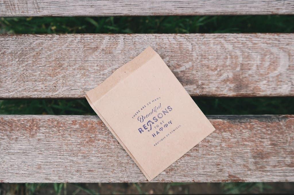 gratitude note on bench