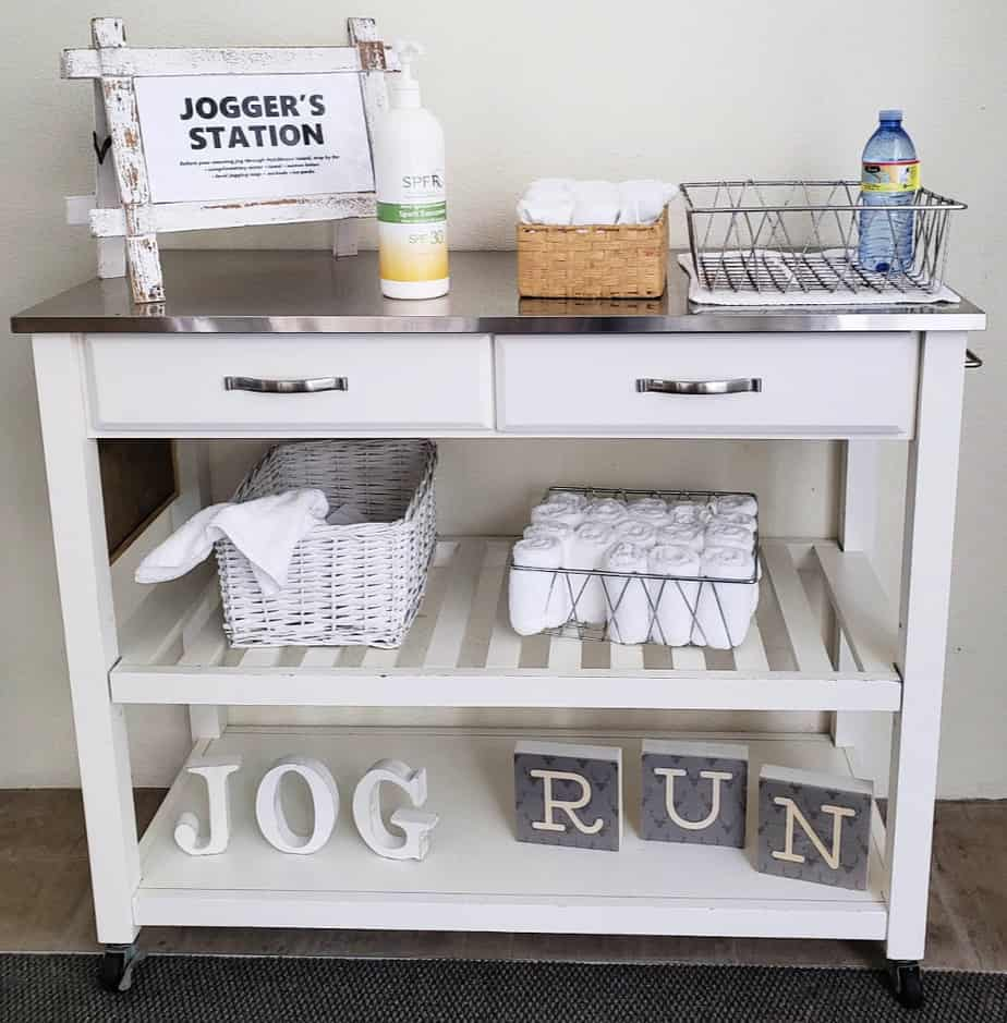 joggers bar at hutchinson shores resort and spa